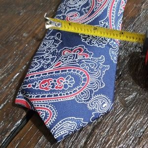 Izod Accessories - Men's ties-red white blue paisley w/ pocket square